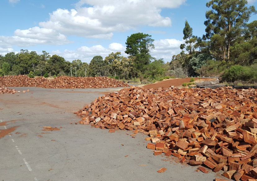 Firewood stored on bitumen = clean wood.